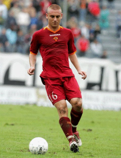 daniele de rossi free desktop hd photoshoot pics desktop pictures pic wallpaper high quality picture hq picture hq photo image picture 12