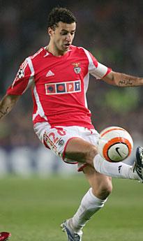 2011 2011 البرتغال Simao 2011 Simao-Benfica.jpg