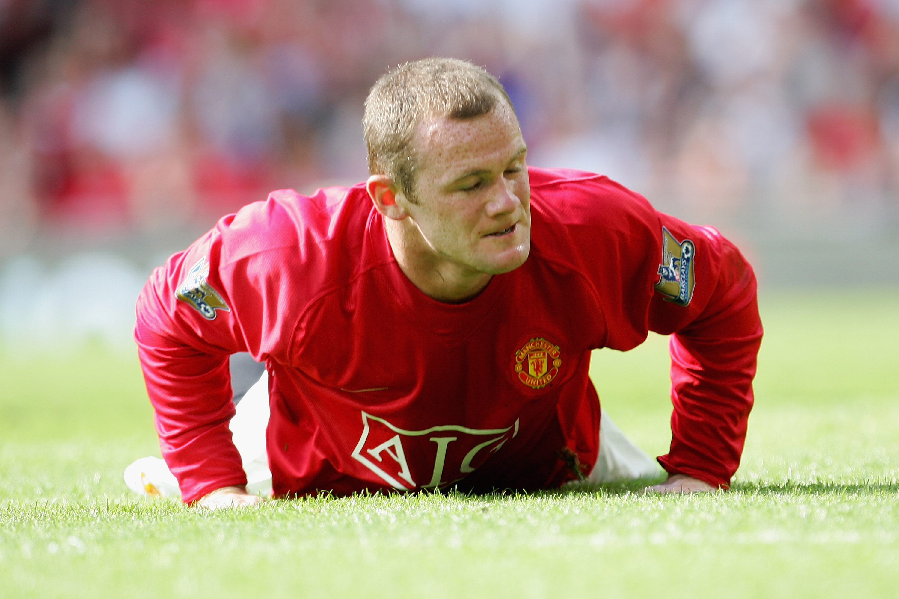 Man U to offer Rooney 40