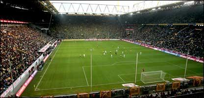 Signal iduna park stadium picture