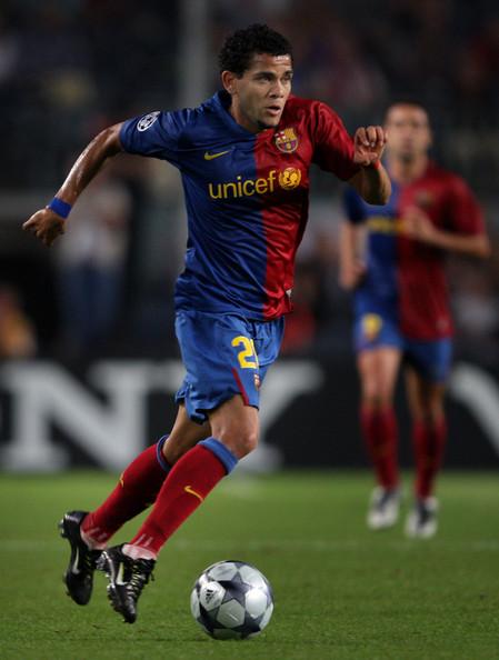 2011 2011 2011 البرازيل Alves Alves_barca.jpg