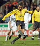 Gilberto Silva yellow