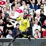 Adebayor yellow 1